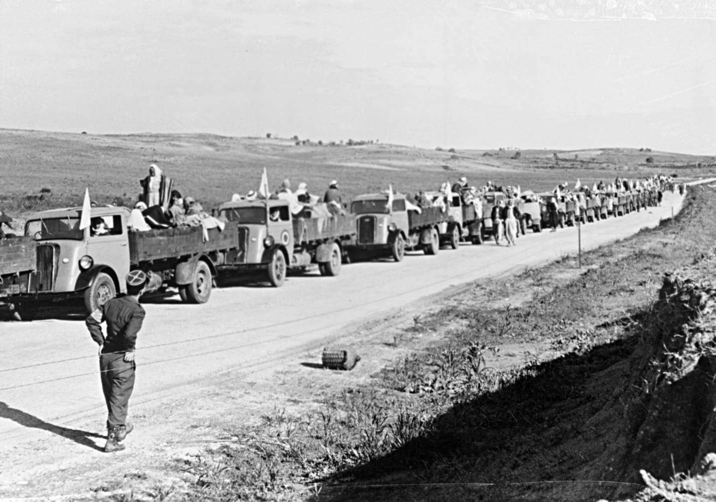 Palestinian refugees leaving their village, unknown location, 1948.