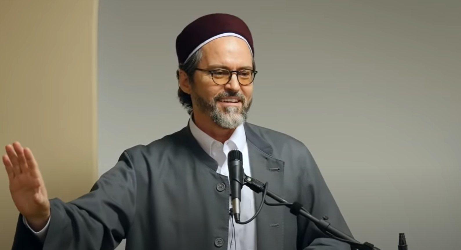 Influential Muslim scholar Hamza Yusuf criticised for backing UAE-Israel deal